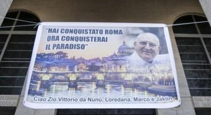Roma: funerale trionfale, con carrozza ed elicottero, per Vittorio Casamonica