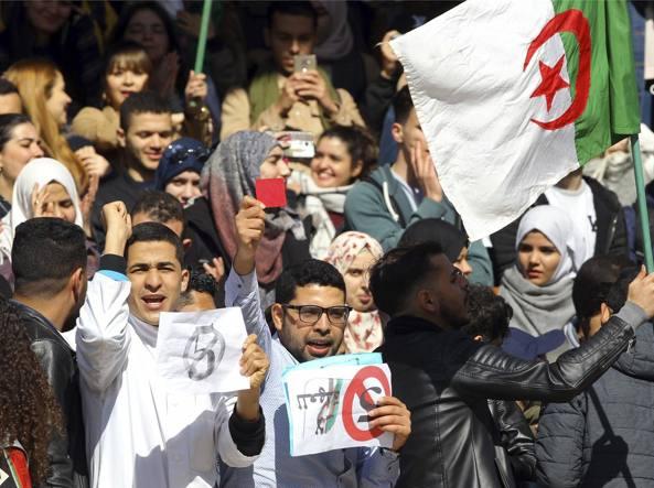 Algeria vota per le presidenziali del dopo-Bouteflika - Politica