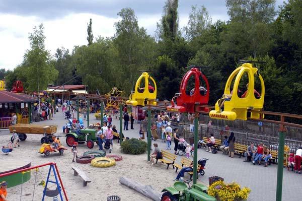 Giochi luna park per bambini sabato siamo andati alla for Giostre gonfiabili usate