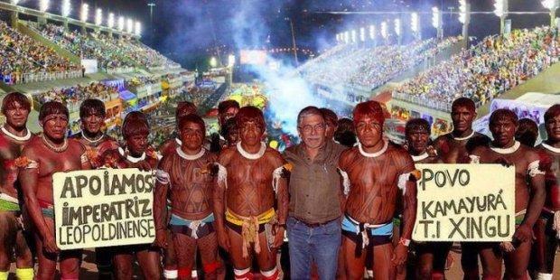 Paura al carnevale di Rio: carro perde il controllo, 8 feriti
