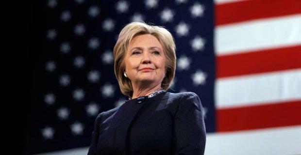 Usa 2016: scatto Hillary con ispanici