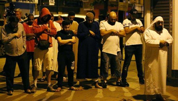 Londra, ritorsione contro i musulmani. Furgone sulla moschea: