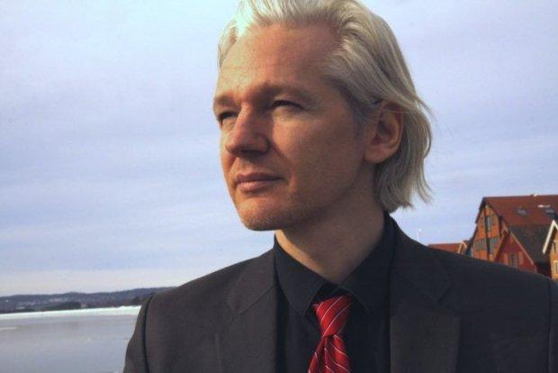 Assange, Fbi furente con Clinton, è apparso debole