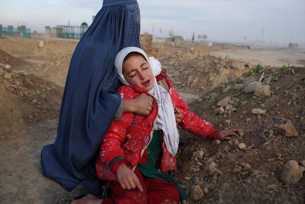 Attentato kamikaze a Kabul, almeno 25 morti e una ventina i feriti